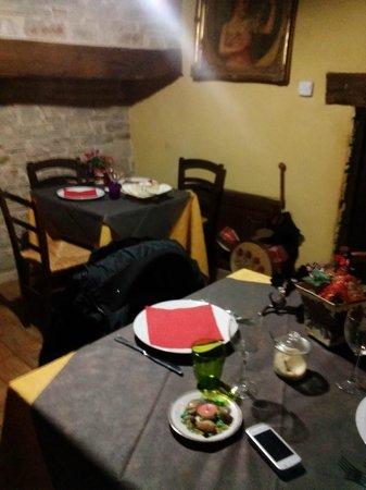 Il Girone dei Golosi - Ristorante del Castello della Pieve: Interno ristorante