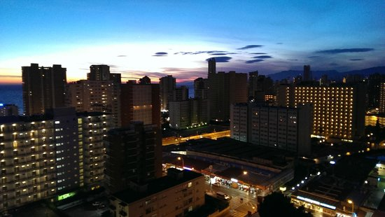 Halley Apartments : Sunset view
