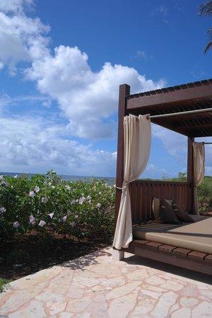 Santa Barbara Beach & Golf Resort, Curacao : Солнечные кровати (платно!!!)