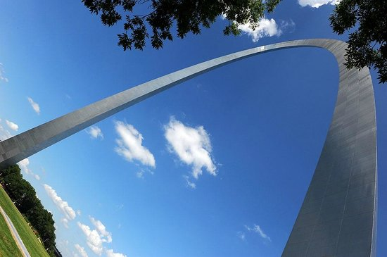 The Gateway Arch : The arch