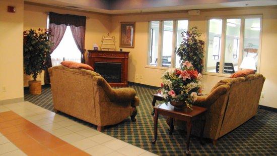 Baymont Inn & Suites Mason: Lobby