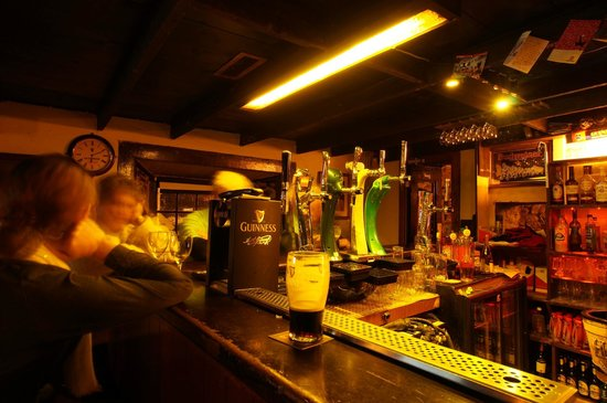 Ashes Pub and Restaurant: The Bar