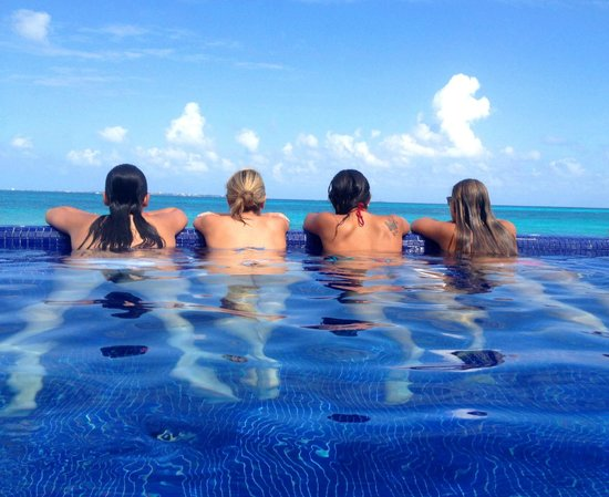 Hotel Riu Cancun: Felizes em olhar o mar