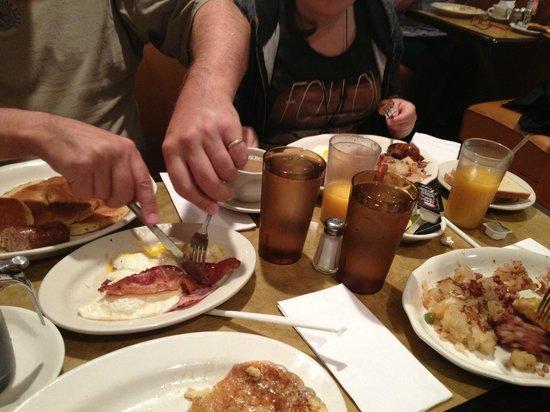 Scotty's Diner : Family breakfast