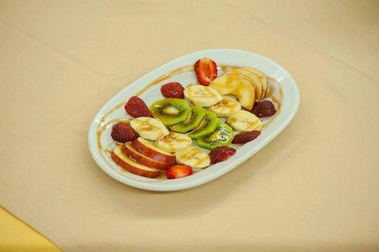 Taverna Ambrosia: Fruit salad!