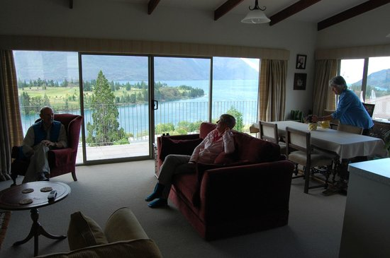 The B & B on the Hill: The open plan living/dining/kitchen with that beautiful view beyond
