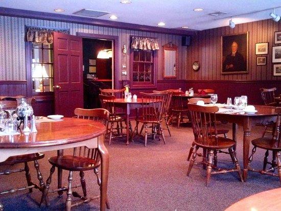 Crestmont Inn : Dining Room