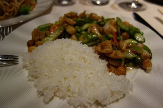 Blossom: Chicken and vegetable stir fry