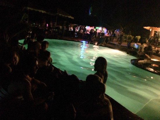 Diani Backpackers: Poolparty