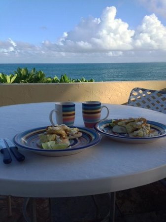 Evamer: Breakfast of arepas & eggs on the patio