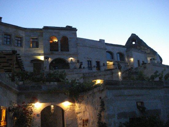 Sultan Cave Suites: Vista del hotel