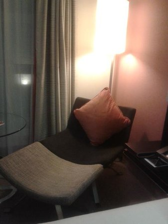 Hilton Dublin: Room 207 Statement Seat