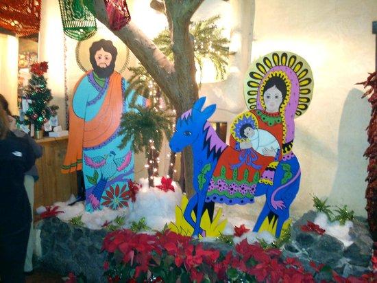La Posta de Mesilla : Artwork of the season in the waiting area