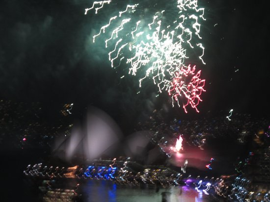 Shangri-La Hotel Sydney: View from room of Fireworks over Sydney Opera House