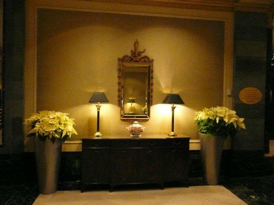 InterContinental New York Barclay : lobby area