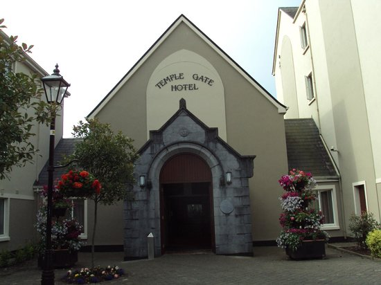 Temple Gate Hotel: Front of the hotel