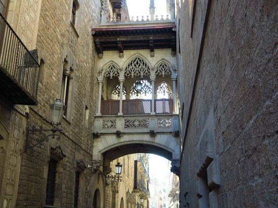 Barrio.gótico - Picture of Gothic Quarter (Barri Gotic), Barcelona - TripAdvisor