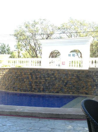 Subic Bay Travelers Hotel Mini Infinity Pool 5ft 3ft