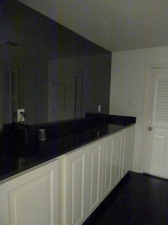 Melrose Mansion: Kitchenette