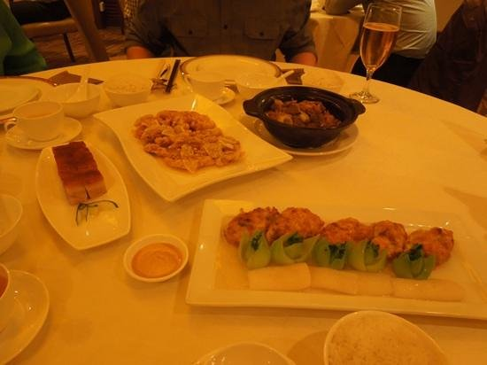 Eaton, Hong Kong: Dinner at in-house restaurant