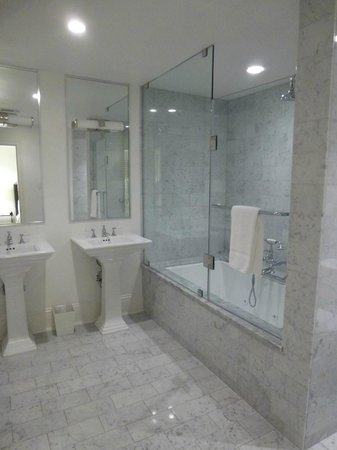 Melrose Mansion : Bathroom