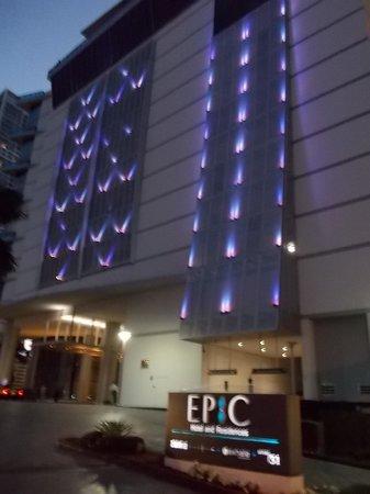 Kimpton EPIC Hotel: fachada do hotel