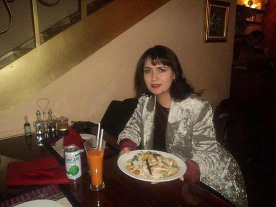 Bangkok Thai Cuisine: mi humilde persona en thai cuisine restaurant