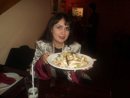 Bangkok Thai Cuisine: con el platillo que pedi