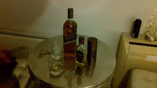 2Go4 De Brouckère: El ultimo piso,mobiliario moderno, el whisky lo pusimos nosotros..
