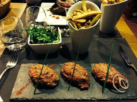 melton's : Tartare avec salade et frites maison