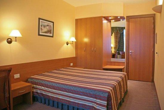 Royal Hotel : room1