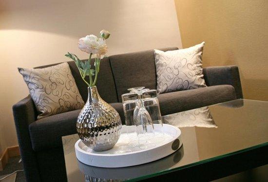 Royal Hotel: room2