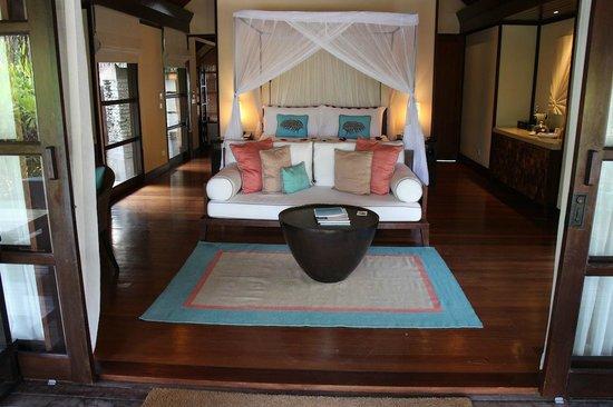 Four Seasons Resort Maldives at Kuda Huraa: chambre