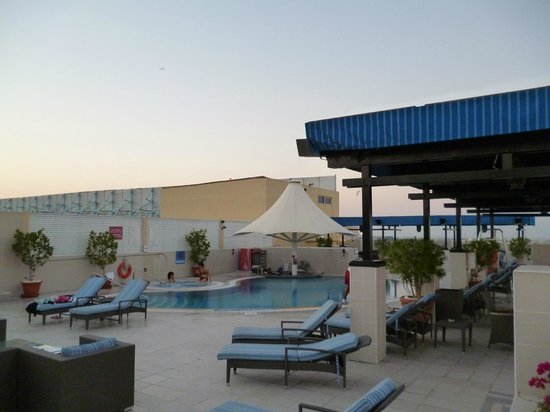 Grand Excelsior Hotel Deira: pool are was very nice