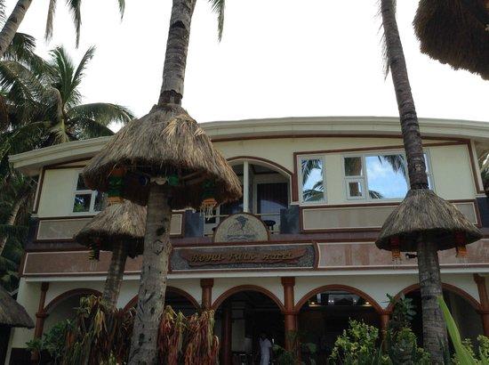 Boracay Royal Park Hotel: Facade