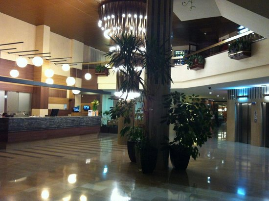 Hotel Golden Port Salou: Réception area