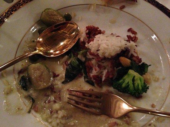 Dusit Thani Laguna Phuket: diner at the thai restaurant
