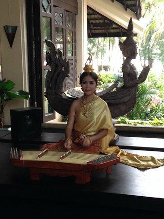 Dusit Thani Laguna Phuket : in the main lobby