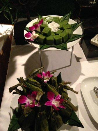 Dusit Thani Laguna Phuket : buffet night