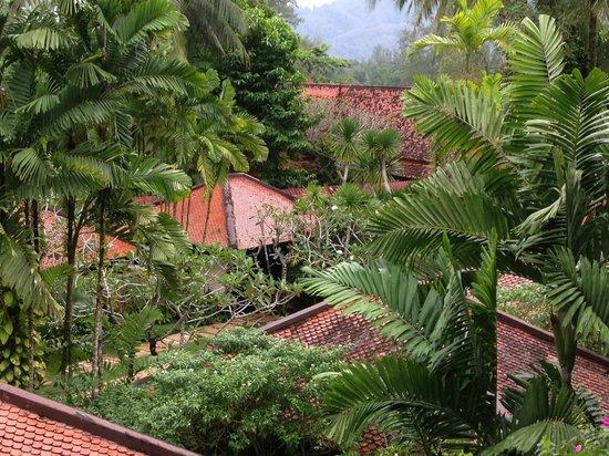 Dusit Thani Laguna Phuket: the hotel grounds