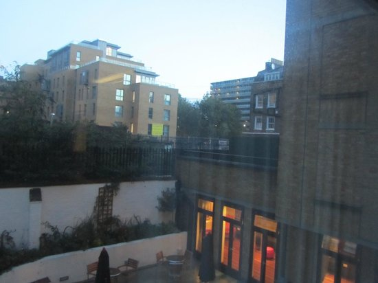 Safestay London Hostel at Elephant & Castle: View from dorm room