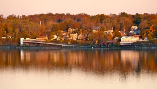 The Rhinecliff: Fall on the River