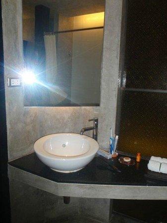 Siam@Siam Design Hotel Bangkok: Bathroom