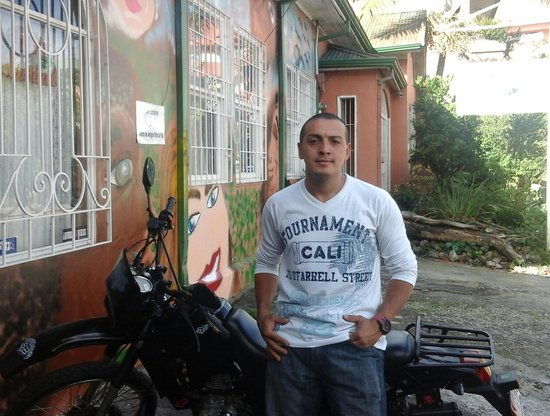 Casa Ridgway Hostel: Luis, Night Manager