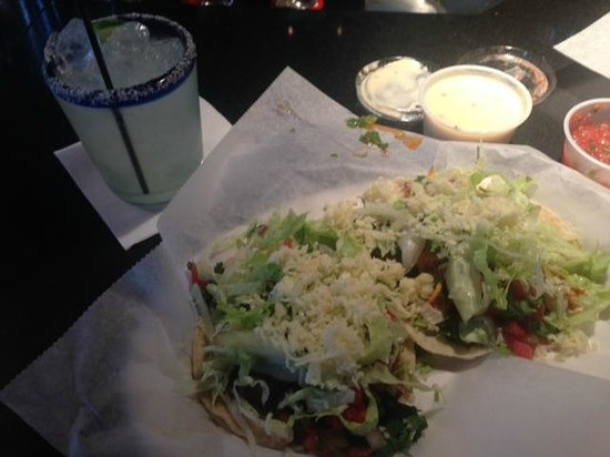 Felipe's Mexican Taqueria: Tinga Chicken Taco and Steak Taco