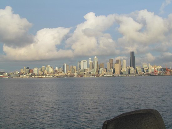 Argosy Cruises - Seattle Waterfront : Seattle skyline