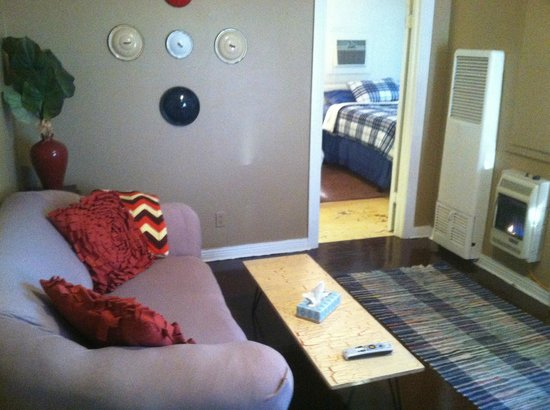 The Carriage House Suites: Suite B