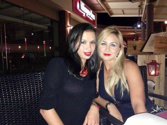 Spanglish Latin Caribbean Grill: Sisters @ Spanglish