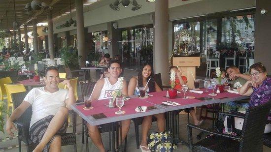 Spanglish Latin Caribbean Grill: Ruiz Family