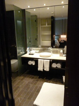 InterContinental Dubai Festival City: bathroom